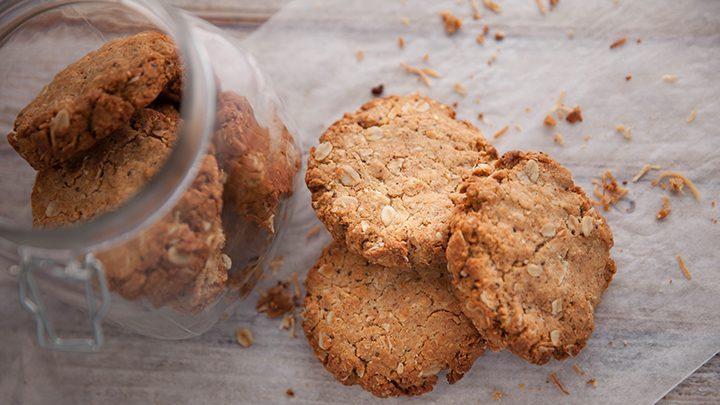 EG6 EP51 Coconut-Super-Spread-Cookies-720x405
